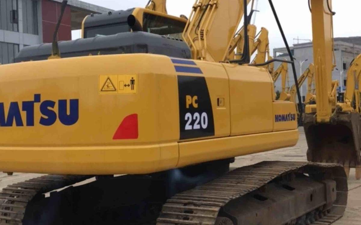 小松挖掘机_认证整备车_PC220-8_2012年出厂18000小时